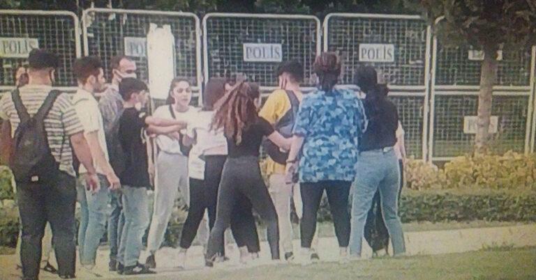 Adana'da Liseli Kız Öğrenciler Birbirine Girdi!