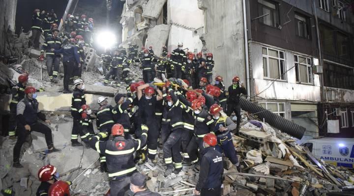 Gürcistan'da 7 katlı bina çöktü