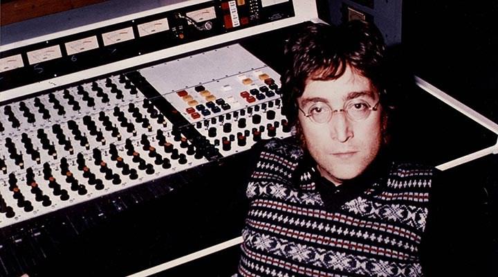 John Lennon'ın yayınlanmamış parçasının yer aldığı kaset, 58 bin 300 dolara satıldı