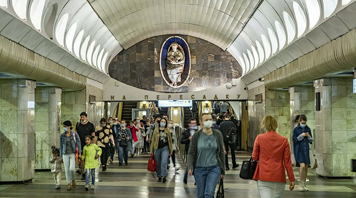 Rusya'da koronavirüs: Günlük can kaybı ilk kez bini aştı